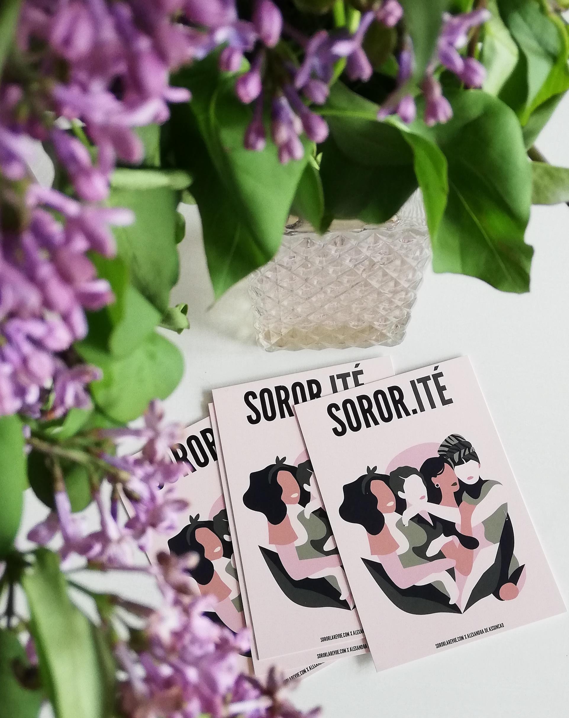 carte postale sororité lilas dans vase vintage